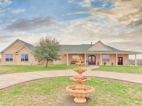 4 bed 5 bath Single Family at 450 Spring Creek Rd Brenham, TX, 77833 is for sale at 825k - 1 of 43