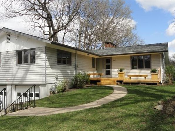 3 bed 2.75 bath Single Family at 504 18th St W Clear Lake, IA, 50428 is for sale at 235k - 1 of 18