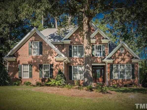 3 bed 3 bath Single Family at 5413 Greensflag Ln Fuquay Varina, NC, 27526 is for sale at 350k - 1 of 23