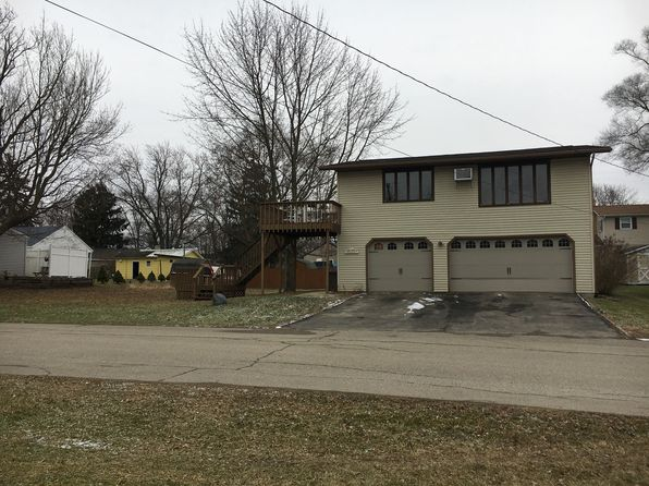 2 bed 1 bath Single Family at 7 Ems D24c Ln Syracuse, IN, 46567 is for sale at 165k - 1 of 13