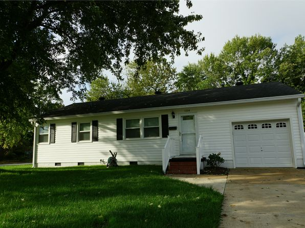 3 bed 1 bath Single Family at 124 Clemwood Pkwy Hampton, VA, 23669 is for sale at 150k - 1 of 19