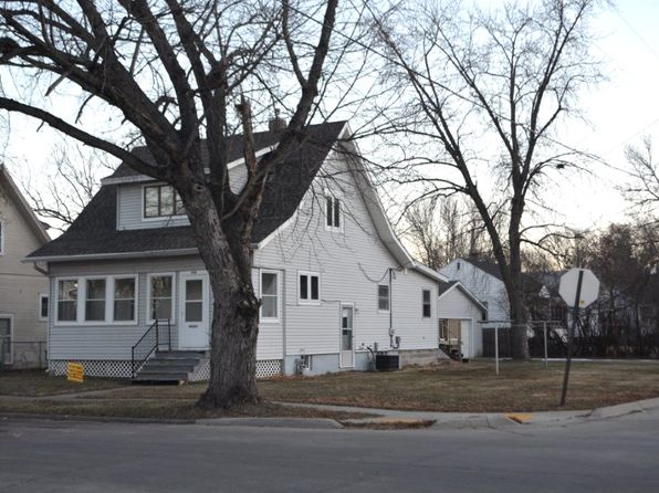 3 bed 3 bath Single Family at 1418 W 26th St Sioux City, IA, 51103 is for sale at 138k - 1 of 13