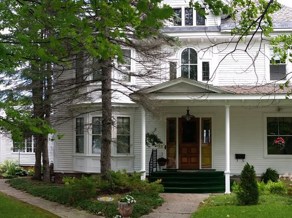 4 bed 2 bath Single Family at 35 CHURCH ST PRESQUE ISLE, ME, 04769 is for sale at 269k - 1 of 44