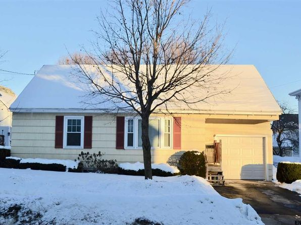 4 bed 1.1 bath Single Family at 422 N Main St Gloversville, NY, 12078 is for sale at 65k - 1 of 22