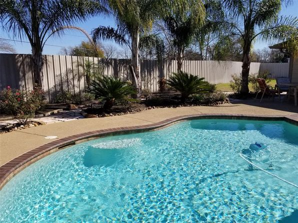 2 bed 2 bath Single Family at 503 Sachnik Dr Pasadena, TX, 77502 is for sale at 320k - 1 of 20