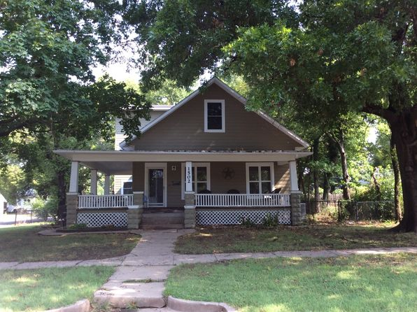 5 bed 3 bath Single Family at 1502 E 11th Ave Winfield, KS, 67156 is for sale at 187k - 1 of 34