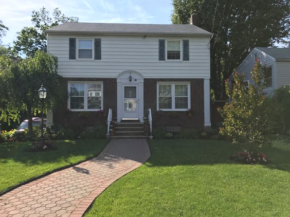 3 bed 3 bath Single Family at 64 Raymond Ave Rutherford, NJ, 07070 is for sale at 660k - 1 of 5