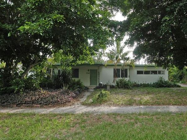 3 bed 2 bath Single Family at 735 10th St N Naples, FL, 34102 is for sale at 320k - google static map