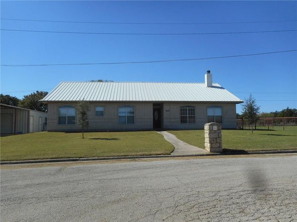3 bed 2 bath Single Family at 908 E Wilbarger St Bowie, TX, 76230 is for sale at 175k - 1 of 28
