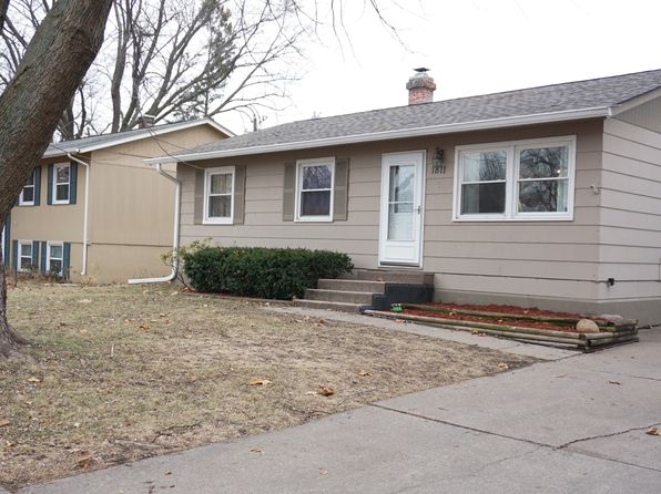 3 bed 2 bath Single Family at 1811 W 68th St Davenport, IA, 52806 is for sale at 114k - 1 of 11