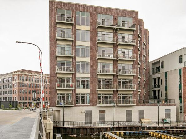 2 bed 2 bath Condo at 210 S Water St Milwaukee, WI, 53204 is for sale at 283k - 1 of 16