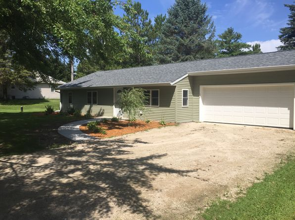 3 bed 1 bath Single Family at 2286 Wallace Lake Rd West Bend, WI, 53090 is for sale at 175k - 1 of 16