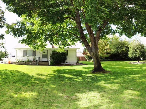 2 bed 1 bath Single Family at 1550 Willow Ln Grants Pass, OR, 97527 is for sale at 200k - 1 of 10