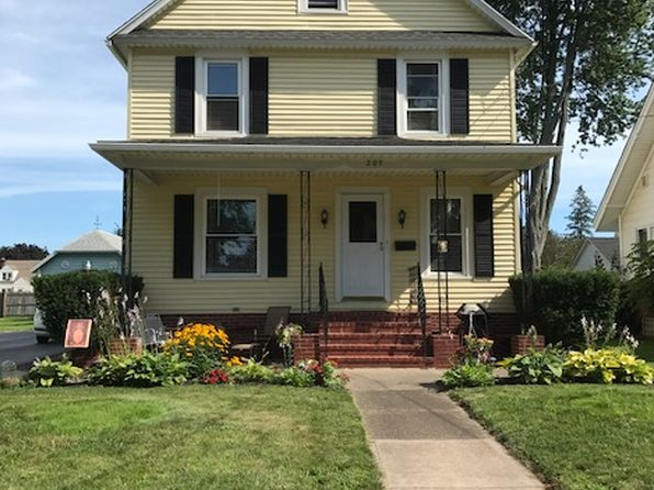 3 bed 2 bath Single Family at 207 William St Medina, NY, 14103 is for sale at 87k - 1 of 19