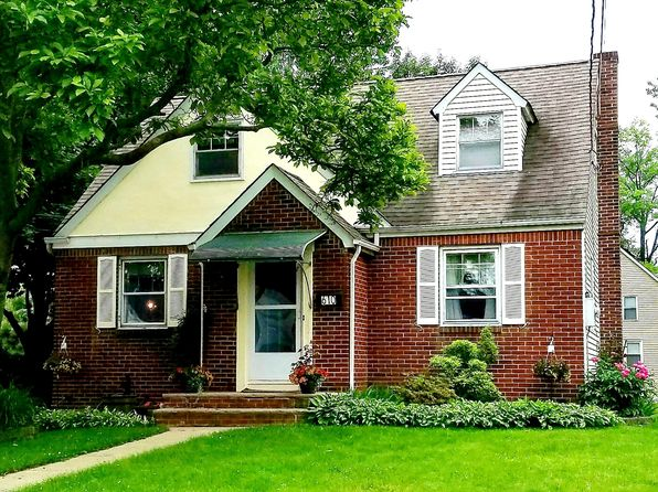 4 bed 2 bath Single Family at 610 Myrtle Ave Roselle Park, NJ, 07204 is for sale at 260k - 1 of 21
