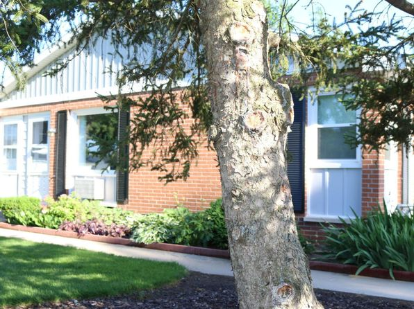 2 bed 1 bath Condo at 670 Andover St SE Kentwood, MI, 49548 is for sale at 65k - 1 of 17