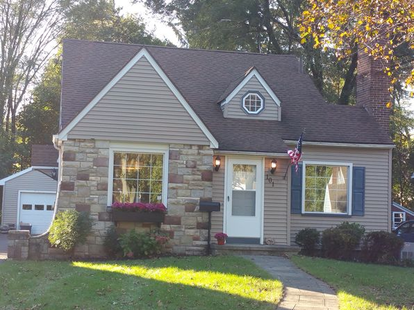 4 bed 3 bath Single Family at 101 Mayfair Dr Irondequoit, NY, 14617 is for sale at 150k - 1 of 15