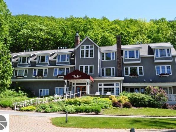2 bed 2 bath Single Family at 10D The Inn Glen Arbor, MI, 49636 is for sale at 75k - 1 of 12