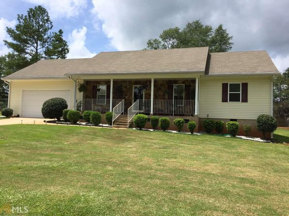 3 bed 2 bath Single Family at 513 Music Row Forsyth, GA, 31029 is for sale at 135k - 1 of 19