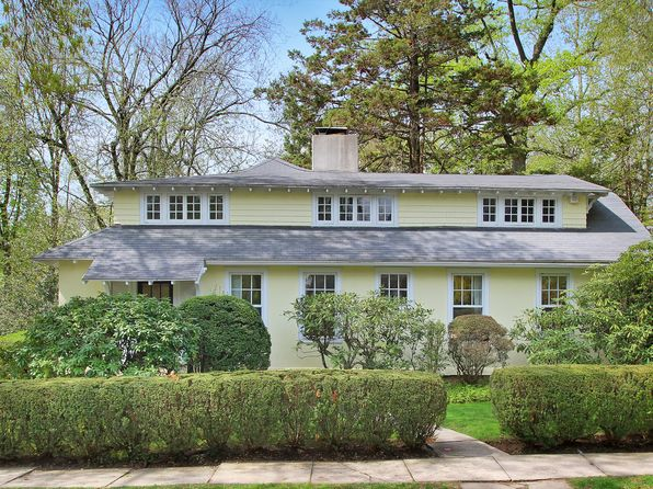 6 bed 3 bath Single Family at 76 Pinebrook Dr Larchmont, NY, 10538 is for sale at 1.30m - 1 of 28