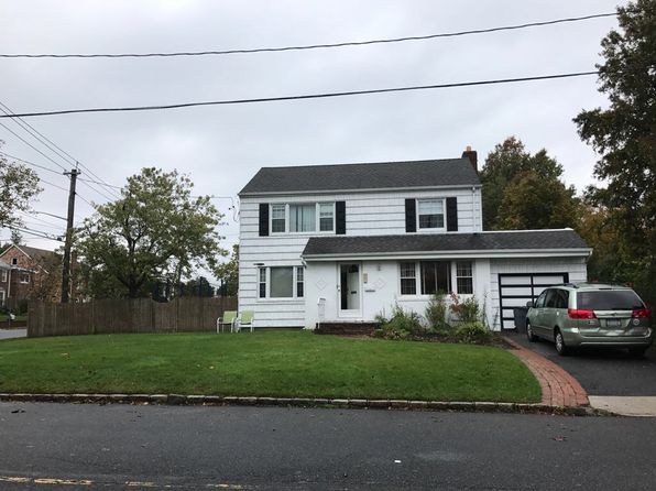 4 bed 3 bath Single Family at 301 Howard Ave Woodmere, NY, 11598 is for sale at 899k - 1 of 15