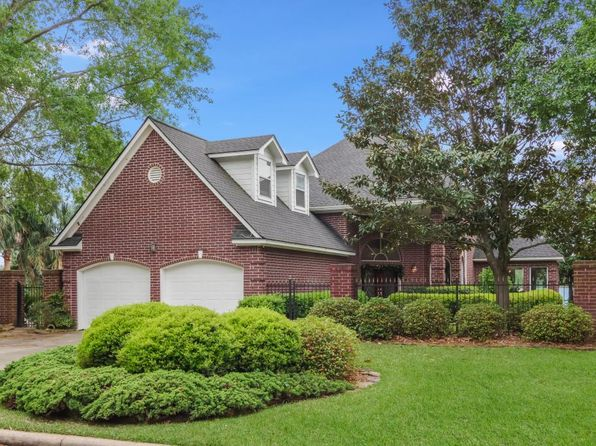 4 bed 4 bath Single Family at 213 La Costa Dr Montgomery, TX, 77356 is for sale at 725k - 1 of 14
