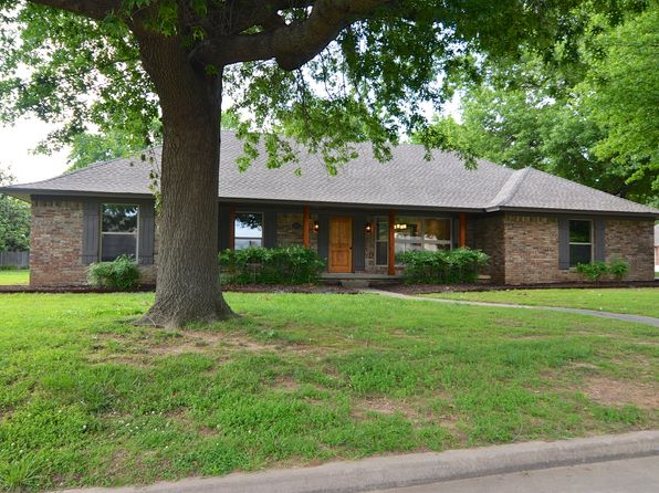 3 bed 2 bath Single Family at 2009 Valley View Dr Claremore, OK, 74017 is for sale at 198k - 1 of 25
