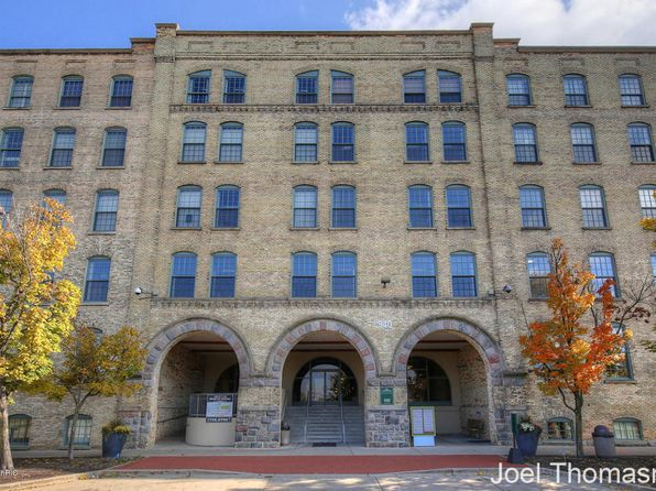 2 bed 1 bath Condo at 940 Monroe Ave NW Grand Rapids, MI, 49503 is for sale at 274k - 1 of 24