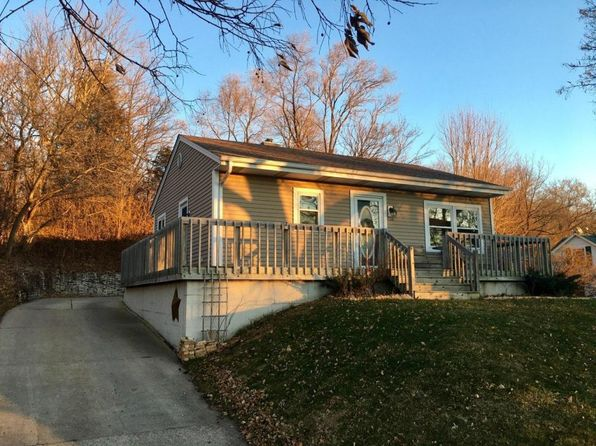 2 bed 2 bath Single Family at 608 W Capitol Dr Hartland, WI, 53029 is for sale at 172k - 1 of 26