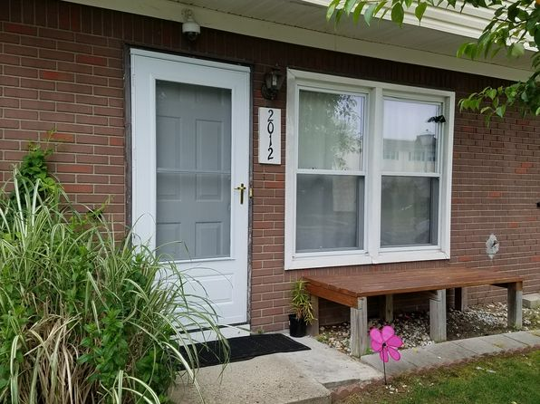 2 bed 2 bath Townhouse at 2012 Sawmill Rd Brick, NJ, 08724 is for sale at 124k - 1 of 21