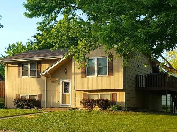 3 bed 2 bath Single Family at 205 Lynn Ct Altoona, IA, 50009 is for sale at 159k - 1 of 8