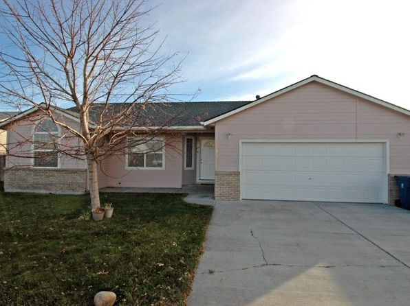 4 bed 2 bath Single Family at 1505 Peregrine Dr Mountain Home, ID, 83647 is for sale at 135k - 1 of 19