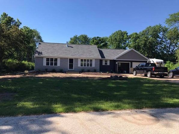 3 bed 2 bath Single Family at 18500 Heathway Ln Brookfield, WI, 53045 is for sale at 335k - 1 of 21
