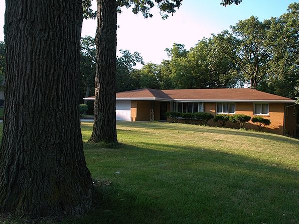 3 bed 2 bath Single Family at 1300 NW 67th Pl Des Moines, IA, 50313 is for sale at 238k - 1 of 21