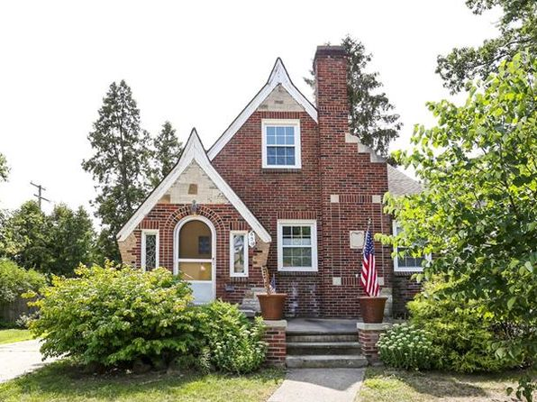 3 bed 2 bath Single Family at 609 Catalpa Dr Royal Oak, MI, 48067 is for sale at 230k - 1 of 35