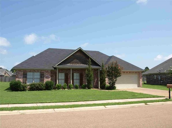 3 bed 2 bath Single Family at 102 Dundee Cv Clinton, MS, 39056 is for sale at 178k - 1 of 7