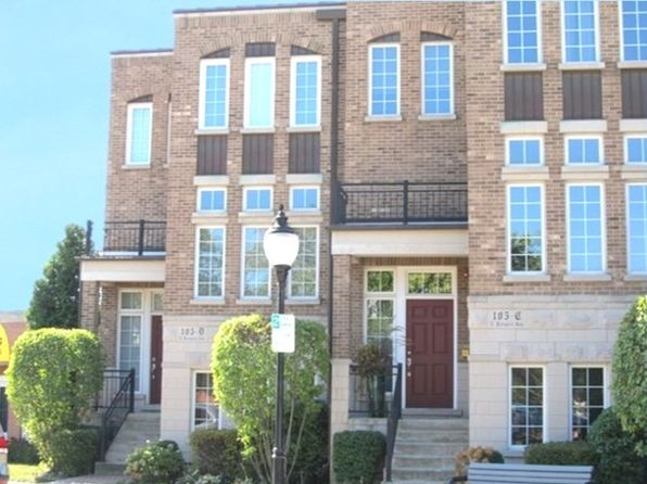 2 bed 3 bath Townhouse at 105 E Prospect Ave Mount Prospect, IL, 60056 is for sale at 390k - 1 of 29