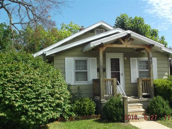 3 bed 2 bath Single Family at 922 W 4th St Bloomington, IN, 47404 is for sale at 270k - google static map
