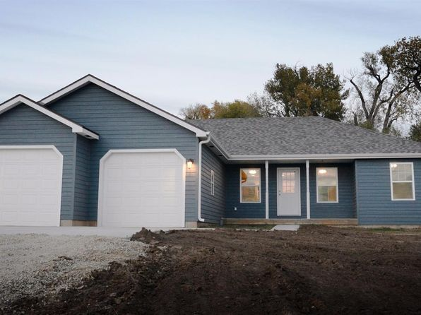 3 bed 2 bath Single Family at 1721 Frontier Rd Bennington, KS, 67422 is for sale at 200k - 1 of 45