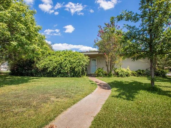 3 bed 3 bath Single Family at 3008 Washington St Commerce, TX, 75428 is for sale at 135k - 1 of 26