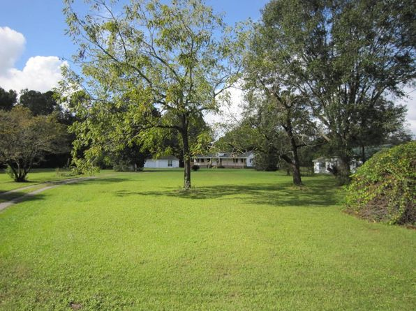 2 bed 2 bath Single Family at 1047 College Park Rd Summerville, SC, 29486 is for sale at 325k - 1 of 12
