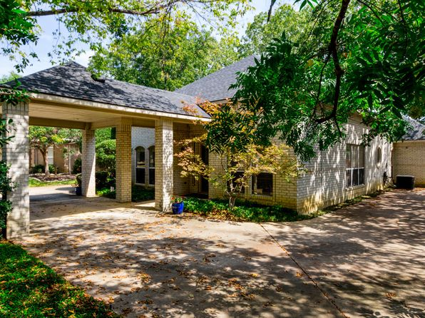 3 bed 2 bath Single Family at 2625 Abercorn Dr Grapevine, TX, 76051 is for sale at 365k - 1 of 3