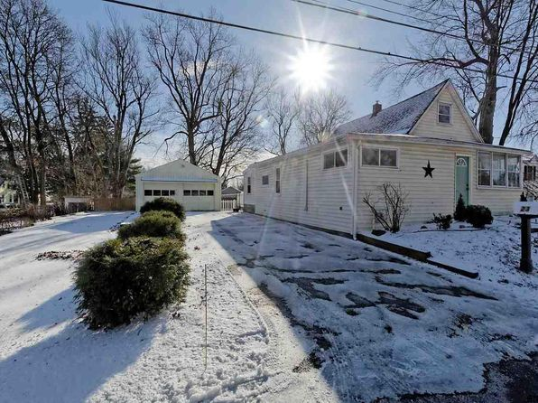 2 bed 1.1 bath Single Family at 23 Barthol St Colonie, NY, 12205 is for sale at 155k - 1 of 13