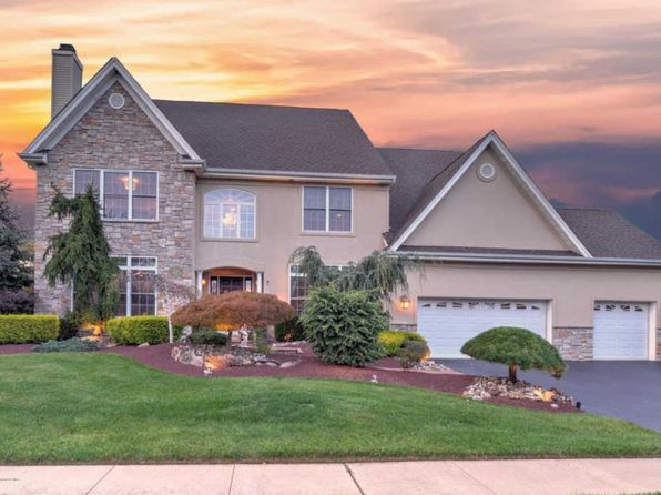 4 bed 3.5 bath Single Family at 7 Cornwallis Ct Manalapan, NJ, 07726 is for sale at 940k - 1 of 48
