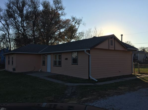 2 bed 2 bath Single Family at 201 NW 22nd St Lincoln, NE, 68528 is for sale at 89k - 1 of 13