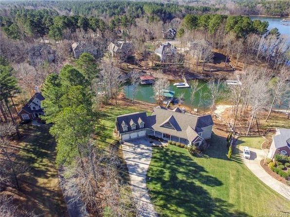 4 bed 4 bath Single Family at 2243 Whiterock Ct Sherrills Ford, NC, 28673 is for sale at 955k - 1 of 35