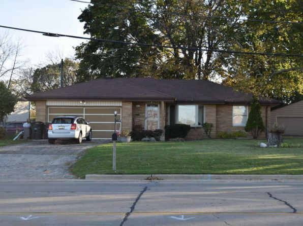 2 bed 1 bath Single Family at 7441 S Cold Spring Rd Greenfield, WI, 53220 is for sale at 200k - google static map