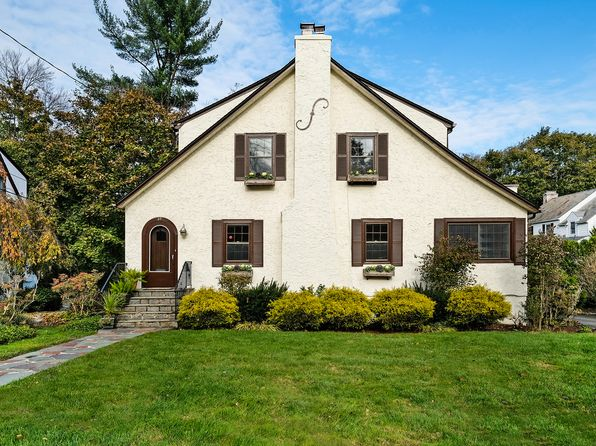 5 bed 3 bath Single Family at 27 Rugby Ln Scarsdale, NY, 10583 is for sale at 975k - 1 of 23