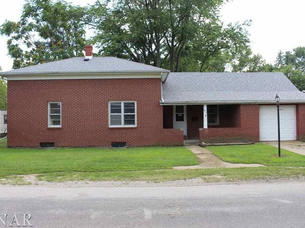 3 bed 1 bath Single Family at 818 E Julia St Clinton, IL, 61727 is for sale at 60k - 1 of 12