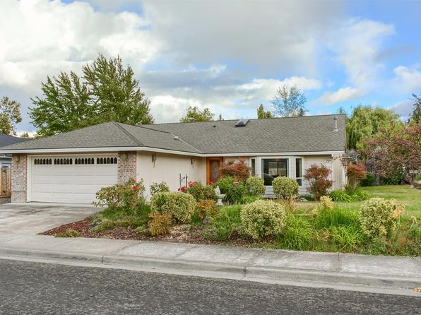 3 bed 2 bath Single Family at 1122 Easthills Ct Medford, OR, 97504 is for sale at 305k - 1 of 26